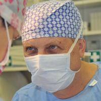 Co víte o silikonových implantátech?