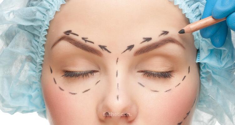 Operace očních víček versus lifting obočí