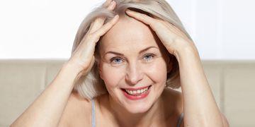 Plastická operace čela vás zbaví vrásek a pozvedne obočí