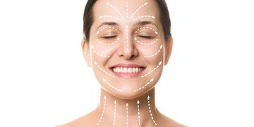 Lifting tváří si poradí s lehčími projevy povolené pokožky