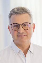 MUDr Tomáš Kupka UEM KV portret foto