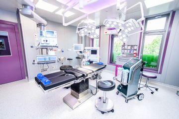 Operační sál s přístrojem Body Jet (2)