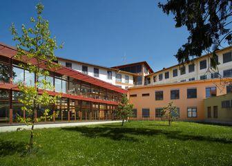 oblastni nemocnice jicin budova chirurgie