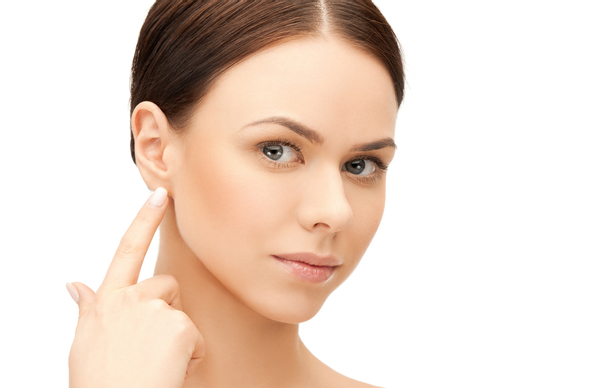 korekce ušních dírek