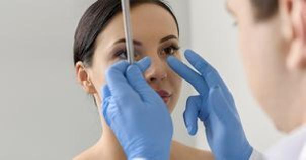 Před operací nosu (rhinoplastikou)