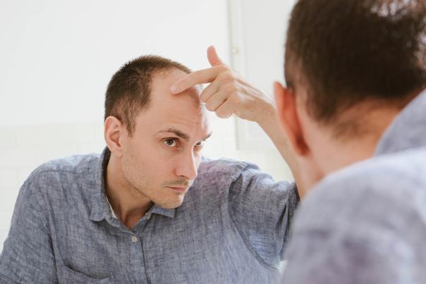 Jak zjistím, zda jsem vhodný kandidát na léčbu vypadávání vlasů pomocí plazmaterapie?