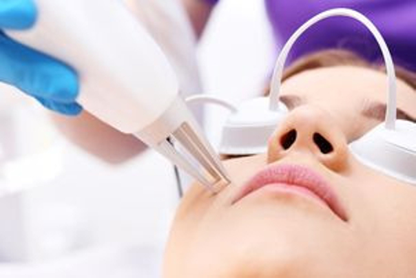 Bolestivost odstranění pigmentových skvrn laserem
