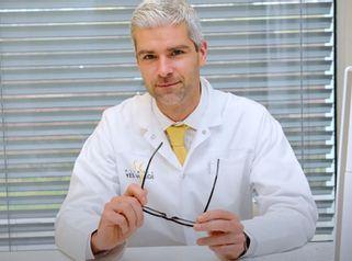 MUDr. Peter Baláž - uznávaný specialista cévní a transplantační chirurgie Kliniky YES VISAGE